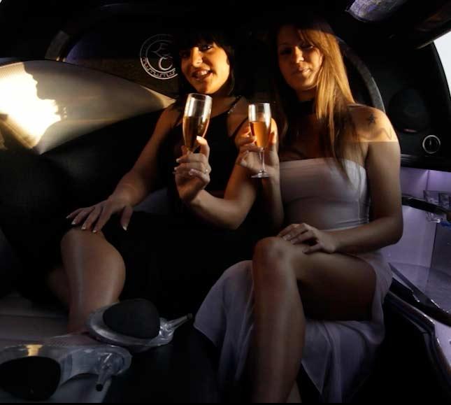 Stripteaseuse en limousine à Strasbourg et en Alsace